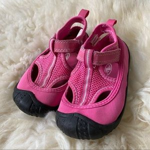 Pink water shoes size 7/8
